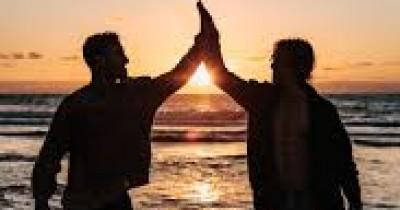 20 Fakta Sahabat Sejati, Dia Yang Paham Susah Senang Mu