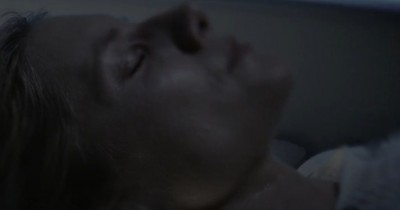 SINOPSIS FILM OXYGEN (2021): Elizabeth Terkurung dalam Tabung Minim Oksigen, Bagaimana Cara Keluar?