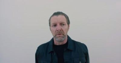 Sinopsis Film Max Bishop (2021): Ketika Penjahat Dipecat oleh Organisasinya