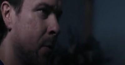 Sinopsis Film Open Your Eyes (2021): Penulis yang Diteror Hal Menyebalkan