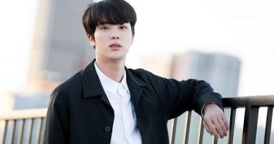19 Kesukaan Jin yang Wajib Diketahui ARMY