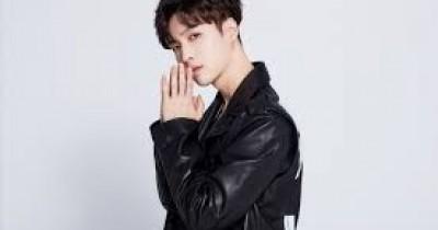 Agama Lay EXO yang Selalu Dipertanyakan oleh Penggemar
