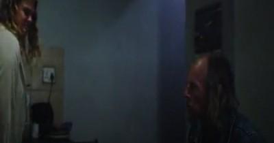 SINOPSIS FILM FRIED BARRY (2020): Pria Tua yang Kecanduan Narkoba, Miris Banget Deh