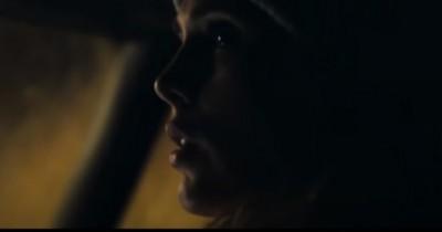 Sinopsis Film Meander (2021): Lisa yang Terjebak di Ruangan Mematikan