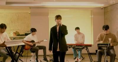 Baekhyun EXO Rilis Lagu Terbaru 'Love Again'