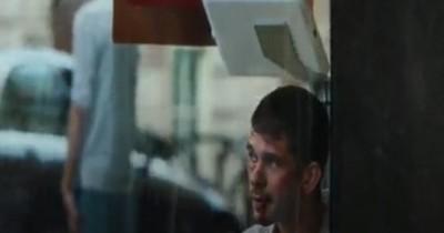 Sinopsis Film Surge (2021):  Pria Aneh dengan Pikiran yang Tidak Waras