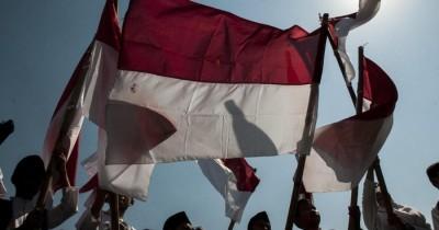 Wanita Bakar Bendera Merah Putih, Ini Profil Pelaku yang Ditangkap Polisi